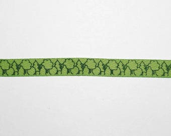 Decorative ribbon trees and forest patterns
