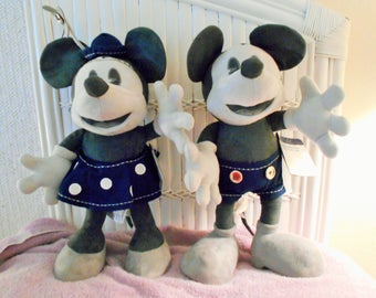 Disney Limited Edition Mickey And Minnie 25th Anniversary/Pie Eyed Face Limited To 2500/D23 Club Members Only Exc./Marked Genuine Original!