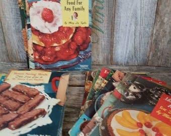 Vintage 1950's Pet Milk Advertising Cookbooks Mary Lee Taylor Radio Show Lot of 49, Vintage Cookbooks