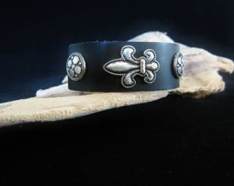 Bikers Fleur De Lis Black Bracelet - vintage leather cuff.  Fleur De Lis emblem in center & decorative stud on each side. For a Saints' fan!