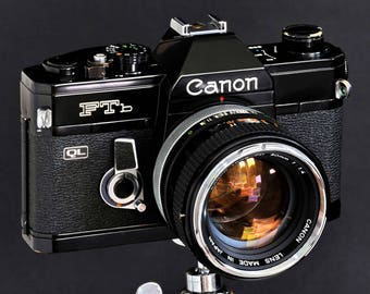 Canon FTb Black Paint w FD 50mm f/1.4 Chrome Nose Collectible 35mm SLR Camera Near MiNTY !
