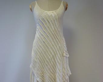 Romantic artsy handmade off-white linen dress, M size.
