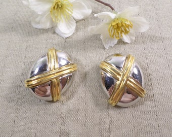 Beautiful Vintage Gold And Silver Tone Clip On Earrings  DL#3391