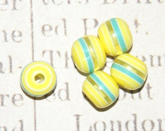 8 round beads with yellow and green stripes acrylic 8mm