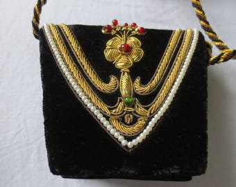 Small handmade evening bag with embroidery 1920-1030