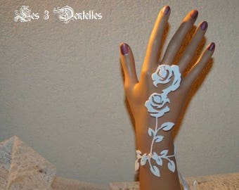 1 mitten wedding tattoo wedding white roses