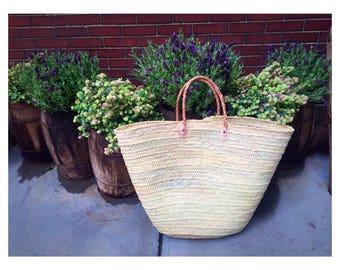 Oversize straw bag