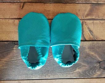 6-12 month turquoise baby shoes, infant crib shoes, fabric moccasins, cloth baby booties, nonslip soles, toddler slippers | FREE SHIPPING