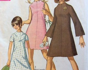 Simplicity 7938 junior misses A-line dress w/scallops size 11/12 bust 32 vintage 1960's sewing pattern   Uncut  Factory folds