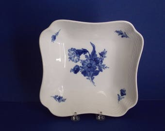 Royal Copenhagen serving bowl blue flowers with braided border free domestic shipping