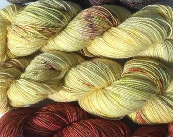 UK Hand dyed speckled yarn superwash merino nylon 4ply fingering sock yarn 'Scarecrow'