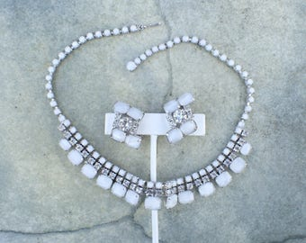 Vintage necklace earring set white givre art glass and rhinestones AB706