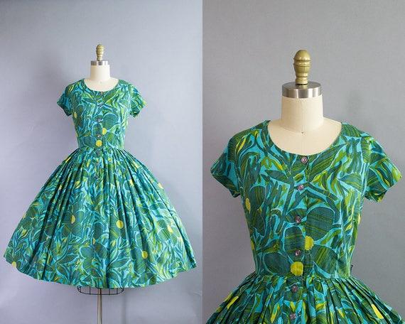 1950s Floral Dress/ Medium (40b/28w)