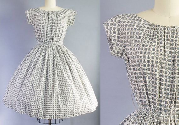 1950s Busy Novelty Print Dress | Extra Small (35B/24W)