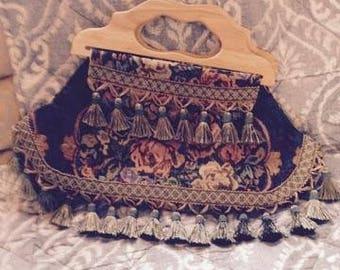Ladies Victorian Style Carpet Bag