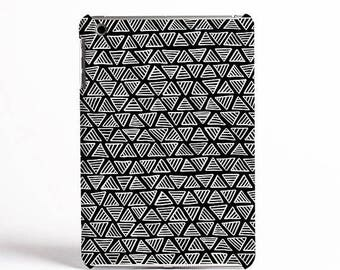 ON SALE NOW A Monochrome Triangle Pattern Case Design for iPad cases, Samsung Tab cases and Kindle Fire