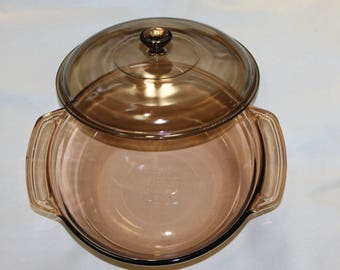 Visions, Anchor Ovenware, Casserole Dish w Matching Lid, 1.5 Quarts, Safe For Microwave and Oven, Amber Color, No Chips or Cracks, Nice
