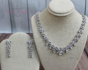 FAST SHIPPING!! Beautiful Zirconia Jewelry Set, Bridal Zirconia Set, Bridal Jewelry Set, Sweet 16 Jewelry Set, Bridesmaid Jewelry Set