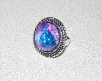 Adjustable silver ring and cabochon blue/pink Galaxy pattern