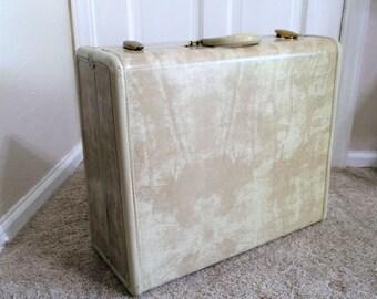 Samsonite Hard-Shell Marbled Cream Suitcase