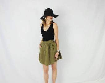 Linen Paper Bag Mini Skirt; Women's Vintage Mini with Elastic Waist, Button Down Style, and Pockets! Size S