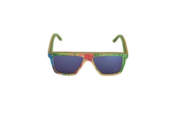 Recycled glasses skateboards FUNBOX #325 Green red blue category 3 #skateboard #MadeinFrance