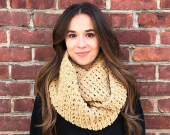 Blanket Scarf, Infinity Scarf, Tan Scarf, Neutral Scarf, Beige Scarf, Camel Scarf, Crochet Scarf, Chunky Scarf, Circle Scarf, Fall, Winter