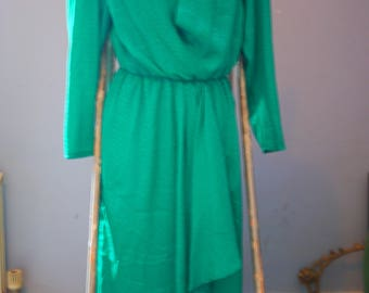 Size 10 Green Mermaid Scale Style Material Dress with Shoulder Pads