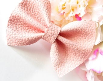 Baby Pink Leather Finley Pinch Bow
