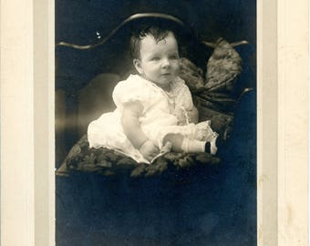 Antique photo baby girl