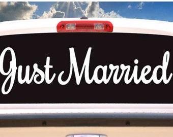 Just Married Window White Sticker, Just Married rear window sign, Just Married Car Sign, Just Married Window Decal. Just Married Vinyl Decal