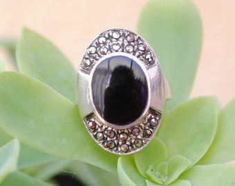 Onyx and marcasite ring and sterling silver, onyx vintage ring, big onyx ring, onyx and marcasite, vintage jewelry, vintage rings, vintage