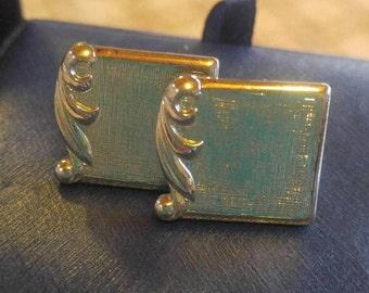 Textured Silvertone Cuff Links with a Flourish ~ vintage cufflinks