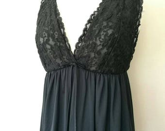Vintage 1960s black lacey night gown