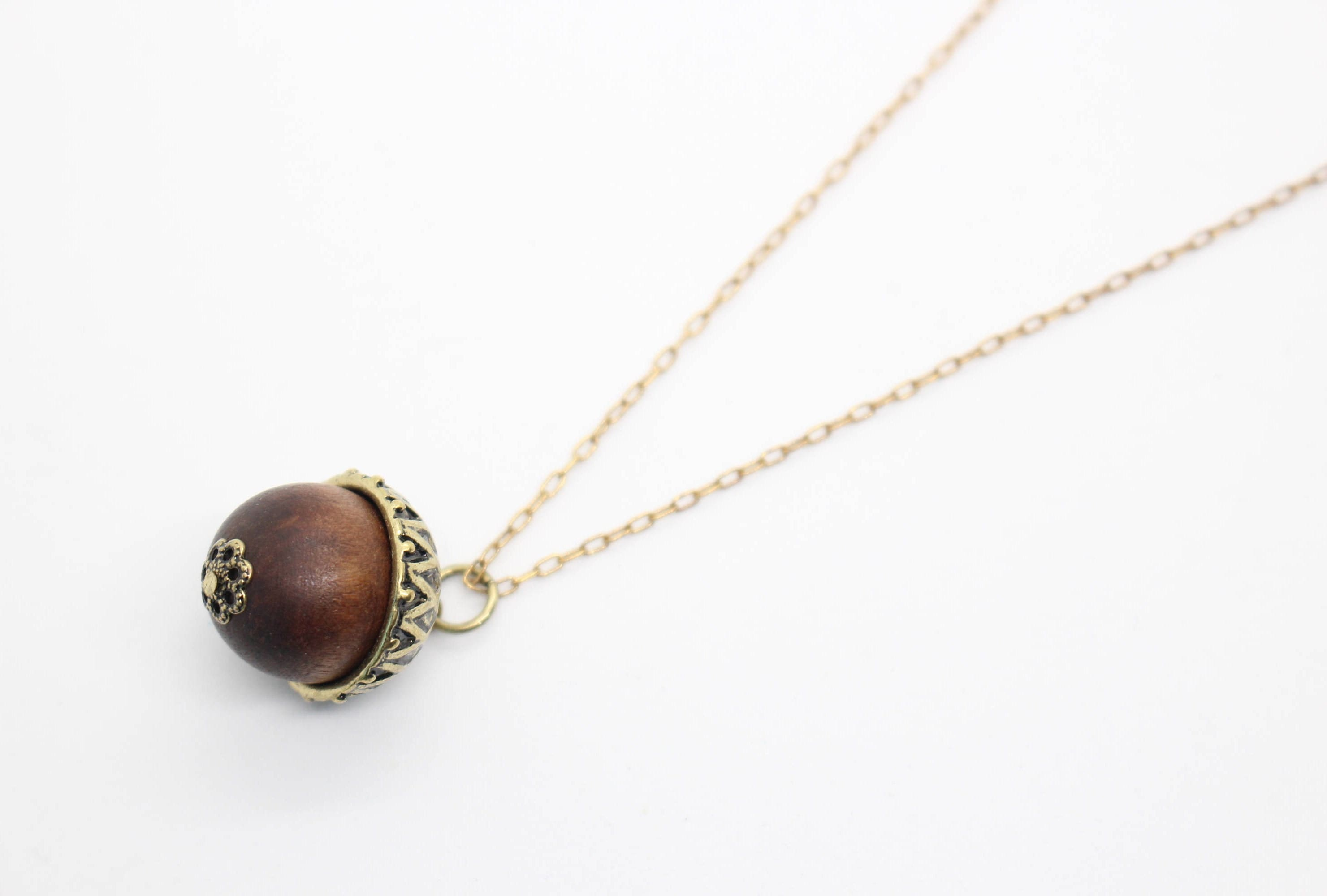 Acorn necklace acorn pendant fall necklace autumn necklace acorn necklace acorn pendant fall necklace autumn necklace fall jewelry autumn jewelry acorn jewelry wooden necklace antique brass mozeypictures Image collections