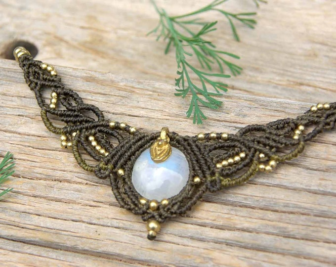 Macrame necklace with STONE LUNA, fairy necklace, tribal necklace, stone amulet, with brass; Nickel free, gift for her, yoga amulet, stone