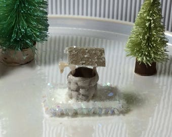 Miniature wishing well for a Putz Villiage