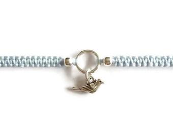 Tiny Bird Bracelet / Macrame Bracelet / Little Bird Charm / Friendship Bracelet / Macrame Stacking Bracelet / Knotted / Colourful Bracelet