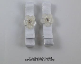 White Flower Gem | Hair Clips for Girls | Toddler Barrette | Kids Hair Accessories | White Grosgrain Ribbon | No Slip Grip | Simple Chic