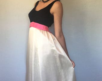 Vintage 1960s Velvet and Taffeta Dress with Pink Bow Size Small