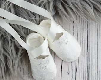 Christening Booties/Holly Baptism booties/Christening Shoes/Baptism shoes/Baby shoes/Girls Christening Shoes/Girls baby booties/Baby booties