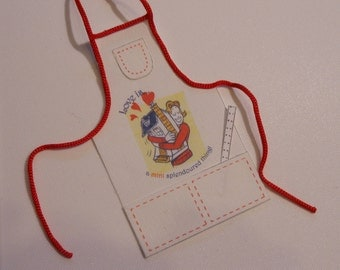 Miniature 1:12 Scale Apron with Ruler