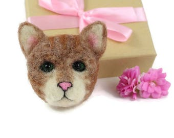 Cat Brooch, Needle Felted Cat Brooch, Cat Jewellery, Kitten Jewellery, Cat Lovers Gift, Cats Gift, Pet Cat Brooch, Pet Jewellery, Cat Badge