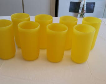 set of 8 canary yellow hard plastic 16 oz tumblers / glasses 1970 's - vintage lemon color drinkware unbreakable patio deck retro majestic
