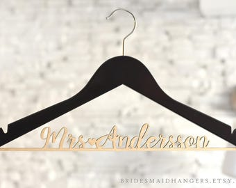 Custom Bridal Hanger, Bride Hanger, Wedding Dress Hanger, Personalized Wedding Hanger, Engagement Gift, Bridesmaid Gifts, Name Hanger,Mrs 06