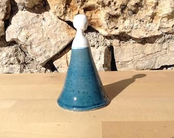 Ceramic sculpture: the woman in blue dress N2