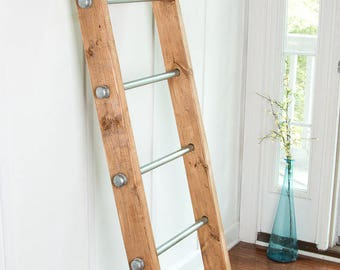 Industrial Rustic Wood and Pipe Ladder for Towels or Blankets (Plumbing pipe, galvanized steel, pine wood)