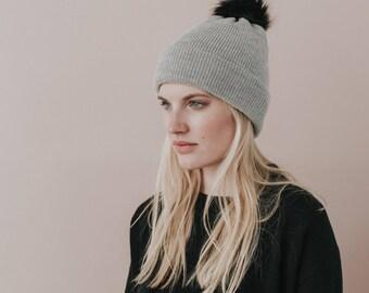 Knit Hat With Pom Pom// Faux Fur Pom Pom// 100% Merino Wool// Light Grey Colour