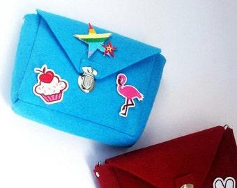 felt,wool,shoulder bag, small purse with metal chaine, casual bag, handbag, small crossbody bag, floral small messenger bag.