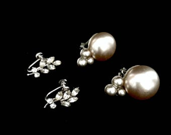 Two Pairs of Vintage 40s Earrings    GJ2837